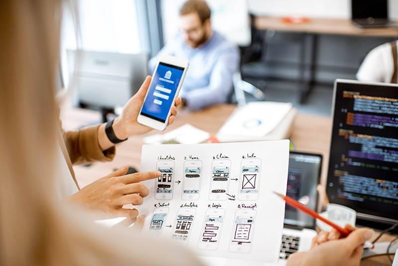 develop-website-ux-ui-concept-sketch