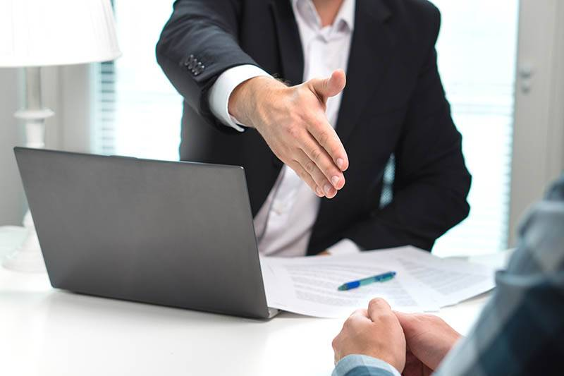 handshake-meeting-design-marketing